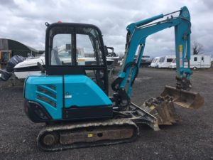 **SOLD** 2016 Airman AX27-3 2.7 ton Mini Digger